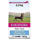 Eukanuba Daily Care Weight Control für kleine & mittelgroße Rassen - Fettarmes Hundefutter zum Gewichtserhalt oder Diät bei Übergewicht, 2,3 kg