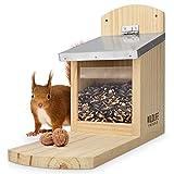 WILDLIFE FRIEND I Eichhörnchen Futterhaus Maxi extra groß und stabil aus Massivholz mit Metall-Dach - Wetterfest, Futterstation zum Eichhörnchen füttern, Eichhö