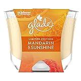 Glade (Brise) Langanhaltende Duftkerze im Glas, Mandarin & Sunshine, bis zu 39 Stunden Brenndauer, 4er Pack (4 x 224 g)