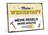 TypeStoff Holzschild mit Spruch – Meine Werkstatt, Meine Regeln, Meine GESETZE – im Vintage-Look mit Zitat als Geschenk und Dekoration zum Thema Heimwerken, Garage und Hoppy (M - 19,5 x 28,2 cm)