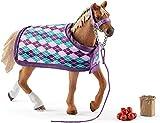 SCHLEICH 42360 Horse Club Spielset - Englisches Vollblut mit Decke, Spielzeug ab 5 Jahren (Wohnwagen)