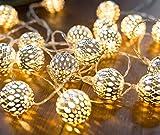 CozyHome marokkanische LED Lichterkette – 7 Meter   Mit Netzstecker NICHT batterie-betrieben   20 LEDs warm-weiß   Kugeln Orientalisch   Deko Silber – kein lästiges austauschen der Batterien