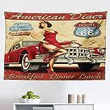 Route 66 Wandteppich, American Diner Werbeplakat mit Mädchen und Automobil, nostalgische Kunst, Stoff-Wandbehang, Dekor für Schlafzimmer, Wohnzimmer, Wohnheim, 152,4 x 130,5 cm, senffrot