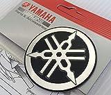 55mm Durchmesser Yamaha Stimmgabel Aufkleber Emblem Logo Schwarz Erhöht Gewölbt Metall Legierung Konstruktion Selbstklebend Motorrad Jet Ski /Atv / Schneemobil