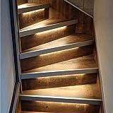 LED Treppenstufenbeleuchtung mit Bewegungssensoren| Warmweißes Licht 2700K | Komplettset für 10-16 Stufen | (WLAN-Modul Bedienung, 15 Stufen)