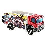 Hot Wheels BFM60 Truckin' Transporter, Spielzeug LKW mit je 1 Spielzeugauto, zufällige Auswahl, ab 3 Jahren