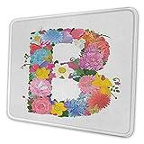 Buchstabe B Schreibtisch-Pad Romantisches ABC-Zeichen mit frischen Frühlingsblüten Buntes feminines Alphabet-Design rutschfestes Mauspad mehrfarbig
