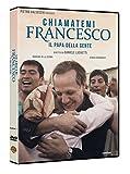 Jorge Bergoglio è uno studente come tanti nella Buenos Aires degli anni Sessanta, con amici e fidanzatina, quando decide di entrare a far parte dell'Ordine dei Gesuiti. Vorrebbe diventare missionario in Giappone ma non gliene viene data l'opportunit