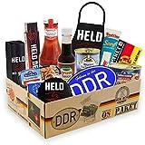 Ostpaket 'Geschenkbox für echte Männer' inklusive DDR Aufkleber 'Geboren in der DDR' Geschenkset Geschenkbox Geschenkpaket Party Geburtstag