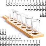 GIESSLE 50x Schnapsgläser aus stabilem Glas mit dickem Boden Shotgläser Wodka Pinnchen im Set mit Einer Schnapslatte