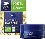 NIVEA Natural Balance regenerierende Nachtpflege (50 ml), Feuchtigkeitsscreme mit Bio Arganöl, Jojoba- und Mandelöl, pflegende Nachtcreme für jeden Hauttyp