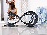 CHRISCK design Gedenkstandbild Gedenktafel Hund mit Gravur Infinity Form mit Tatzen Pfoten Grabstein Grabplatte Hundepfote für Hunde Katzen Katze aus Hochglanz Acryl Andenken mit N