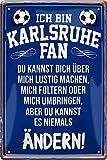 Blechschilder Hier wohnt EIN Karlsruhe Fan/Offizieller Karlsruhe Fan/Ich Bin Karlsruhe Fan Deko Metallschild Schild Artikel Geschenk zum Geburtstag oder Weihnachten (Blau (20x30))
