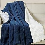 WAVVE Sherpa Decke Mikrofaser Marine blau 220x240 cm, Weiche Flauschige und Wärme Kuscheldecke/Wolldecke/Wohndecke/Couchdecke, Dicke Hochwertig Sofadecke, 4 Jahreszeit Decke für Bett und Sofa