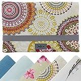 Windeltasche für unterwegs, kleine Wickeltasche für Windeln & Feuchttücher, Windeletui, Wickelmäppchen SmukkeDesign (Mandala & Flower)